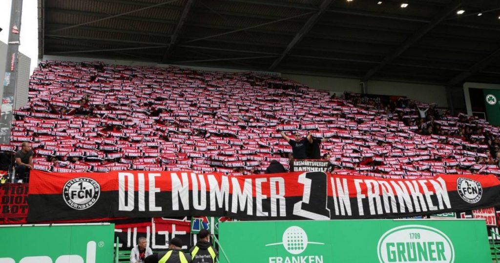 FCN-Fans im fränkischen Derby bei der SpVgg Greuther Fürth. Wer ist die wahre Nummer 1 in Franken?