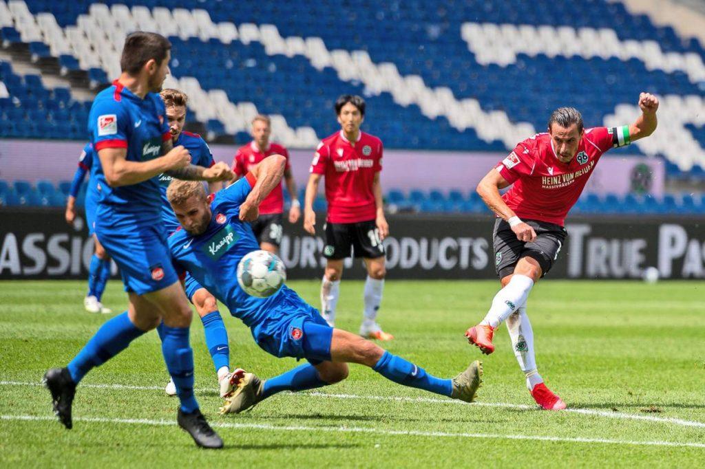 2. Liga: Hannover 96 gewinnt 2:1 gegen den 1. FC Heidenheim