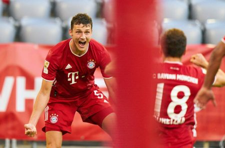 Leon Goretzka's late strike gives Bayern an important win against Borussia Monchengladbach as the Bavarians closing in on another Bundesliga title.