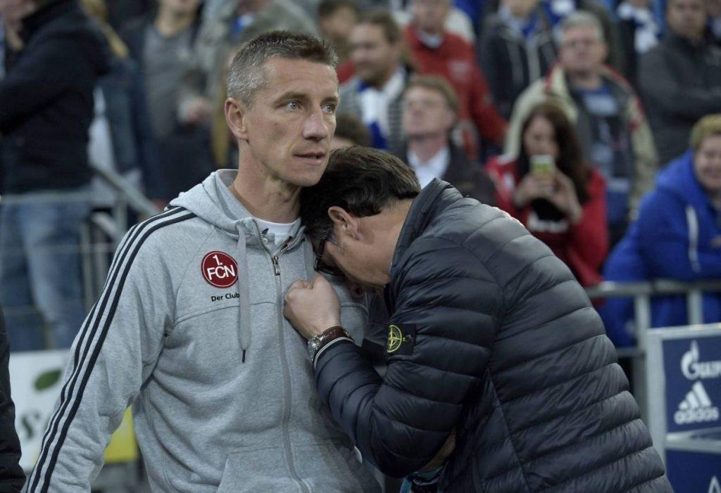 10. Mai 2014: Der 1. FC Nürnberg verliert auf Schalke mit 1:4 und ist neuer Rekord-Absteiger der Bundesliga. Torjäger-Legende Marek Mintal (l.) und Sportdirektor Martin Bader sind fassungslos.
