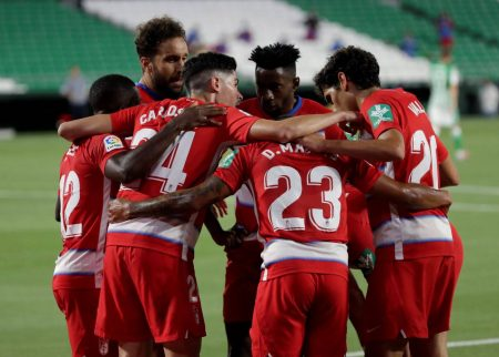 Roberto Soldado scored the equalizer in stoppage time as Granada earned a point against Real Betis. Carlos Fernandez also scored for the visitors.