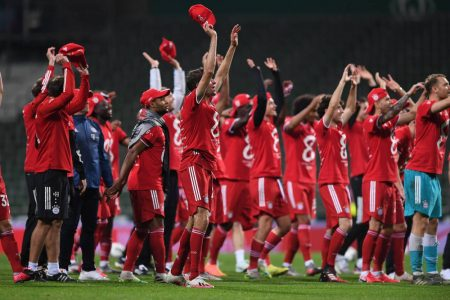 Bayern München Mannschaft jubel. Fußball Bundesliga Saison 2019/2020, 32. Spieltag beim SV Werder Bremen