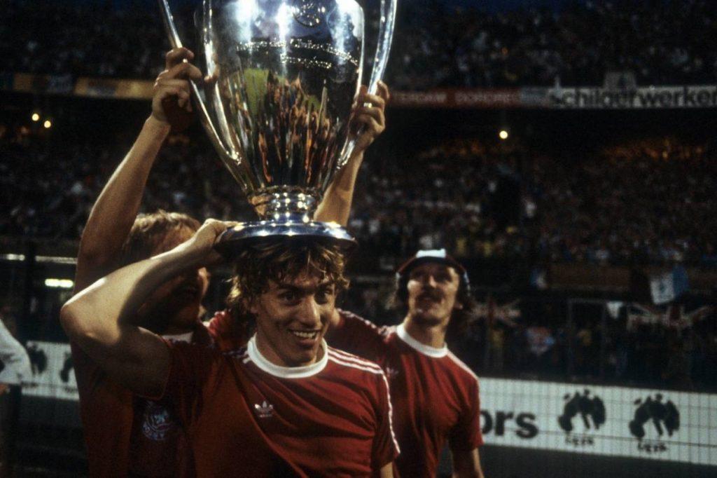 England war und ist ein Land der Meister-Sensationen. 1981 triumphiert Aston Villa und holt sich 1982 in Rotterdam auch den Europapokal der Landesmeister.
