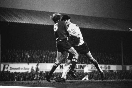 Derby County und Roger Davies (r.) wussten sich auch im Meistercup 1972/73 zu wehren, auch wenn es in dieser Szene einen Platzverweis gegen Davies im Spiel gegen Juventus Turin (0:0) gab.