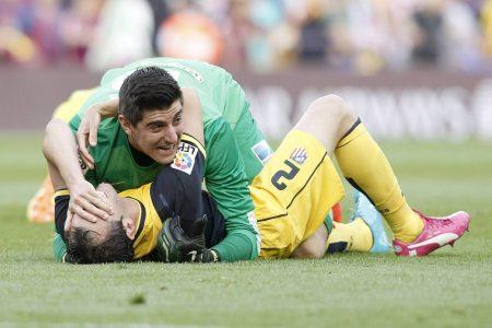 Meister mit Atlético Madrid im Camp Nou von Barcelona: Torhüter Thibaut Courtois und Diego Godin können ihr Glück kaum fassen.