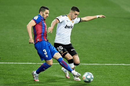 Valencia's hopes for Champions League/Europa League qualification hit a setback after relegation-threatened SD Eibar beat them by 1-0.