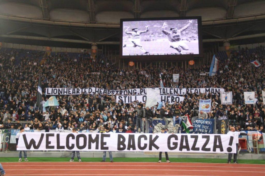 Paul Gascoigne wird nach wie vor verehrt. Wie hier in der Fankurve von Lazio Rom.