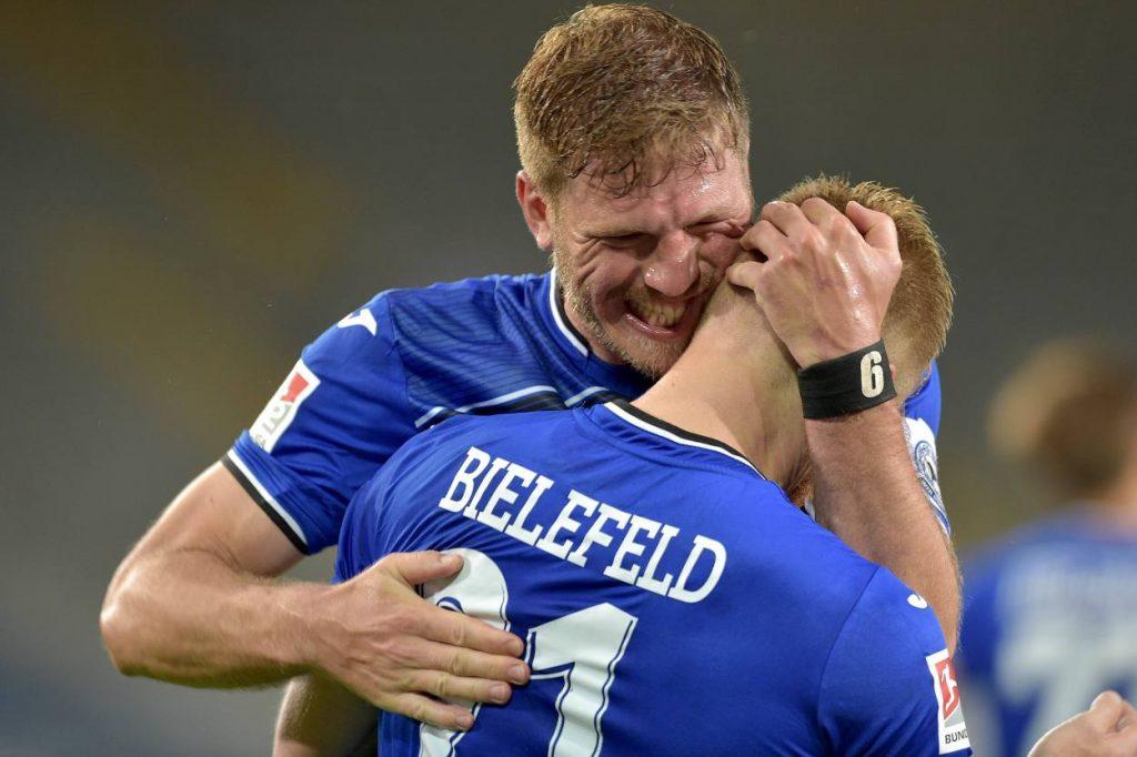 Fußball, 2. Bundesliga, Saison 2019 2020, Bielefeld, Klos, Voglsammer