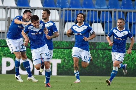 Relegation-threatened Brescia stunned 8th-placed Verona by 2-0 as Andrea Pepetti and Alfredo Donnarumma secure the win for the home side.