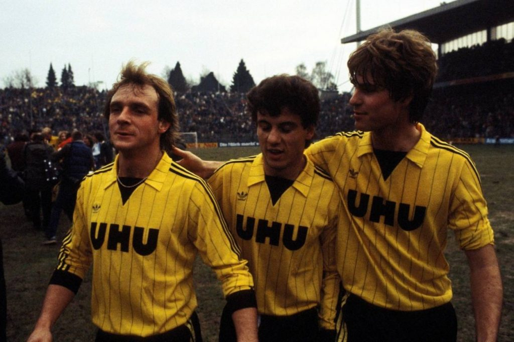 Rüdiger Abramczik (l., mit Erdal Keser und Ralf Loose) im Dortmunder Dress.