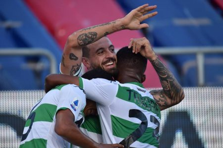 Joao Pedro scored equaliser as 10-men Cagliari earned a point against Sassuolo. Andrea Carboni was sent off after the second yellow.
