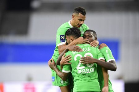 St.Etienne are the new Ligue leaders after beating Marseille 2-0. St.Etienne are sitting at the top with 9 points.