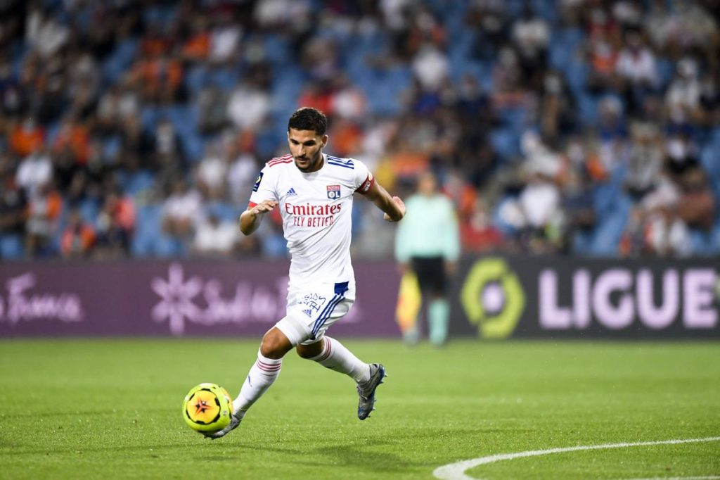 Arsenal in three-club race for Aouar