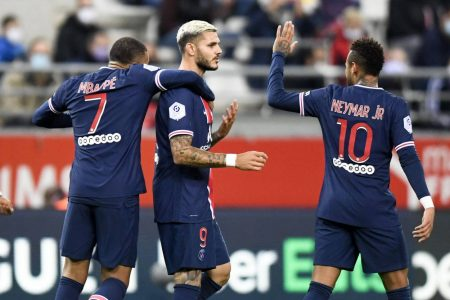 Mauro Icardi scored twice in a 2-0 win over Reims as PSG recorded their third consecutive win of Ligue 1 season.