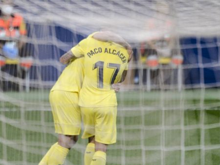 Paco Alcacer scored twice as Villarreal beat bottom side Alaves 3-1. Villarreal are now sitting fourth in LaLiga with seven points.