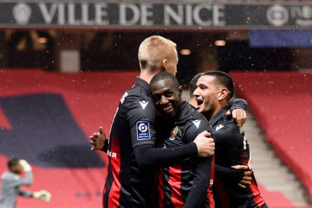 Lille remain second in Ligue table after getting a point away at Nice as PSG reclaim the top spot after a 4-0 win over Dijon.