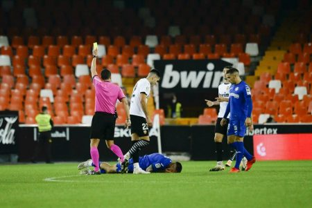 Two red cards, and three goals in dying minutes of the game as Valencia & Getafe produced an absolute drama in a 2-2 draw.