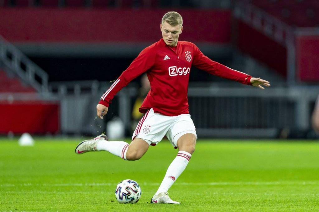 Jurgen Klopp wants Ajax defender Perr Schuurs