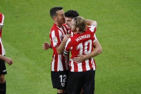 Athletic Bilbao thrash Real Betis 4-0 and climb 8th in LaLiga standings. Alejandro Berenguer was on target for the home side.