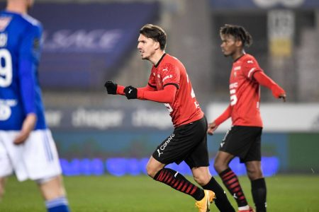 Rennes and Strasbourg settled for a draw as the visitors salvaged a point in the second half after red card to Stefan Mitrovic.