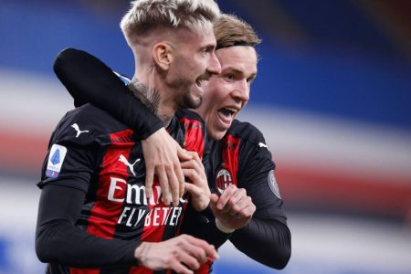 AC Milan beat Sampdoria by 2-1 and move five points clear at the top of Serie A. Samu Castillejo was on target for the home side.