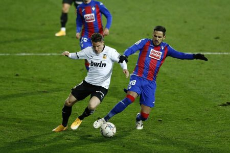 Eibar and Valencia shared a point as the duo mid-tables teams conclude matchday 12 with a goalless draw at Municipal de Ipurua.