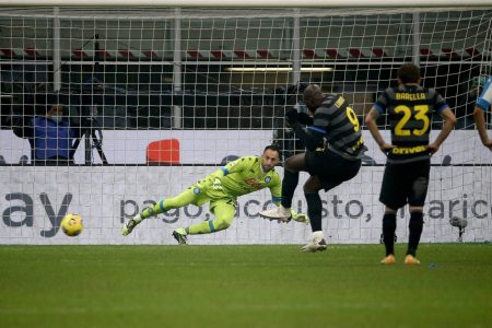 Romelu Lukaku scored the winner as Inter Milan registered all important win over Napoli and move second in Serie A.