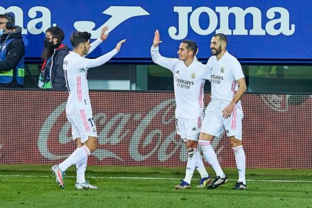 Karim Benzema's scoring form continues as the French striker scored in Real Madrid's 3-1 win over SD Eibar.