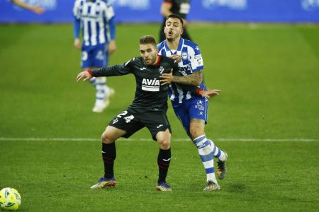 Edgar Mendez on target as Alaves return to winning ways with a 2-1 comeback win over Eibar and climb 13th in LaLiga.