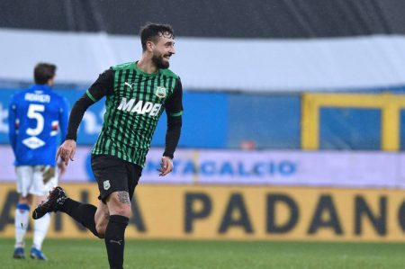 10-men Sampdoria fell short as Sassuolo beat them 3-2 and move fourth in Serie A. Keita Balde Diao scored for the home side.