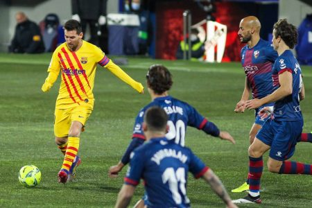 Lionel Messi returns and set up the winner for FC Barcelona as Ronald Koeman's men beat Huesca 1-0 to move fifth in La Liga.