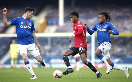 Man Utd Vs Everton preview, team news, starting lineups, TV channel, live stream info and prediction