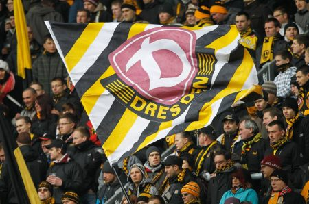 Immer zwischen 2. und 3. Bundesliga - Dynamo Dresden.