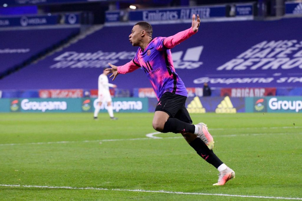 Will Real Madrid buy Mbappe? Latest on Zinedine Zidane's side's pursuit of PSG star